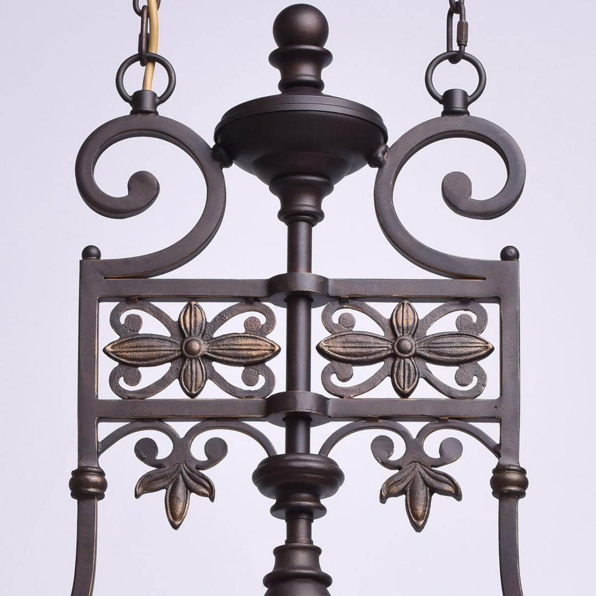 Rustykalna lampa wisząca z kutego żelaza o beżowych kloszach Chiaro Country